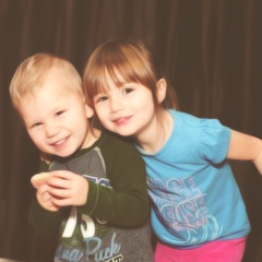 File:Jasmine and brother jaxon.png