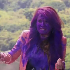 i like this funny moment of jessie the purple color bomb