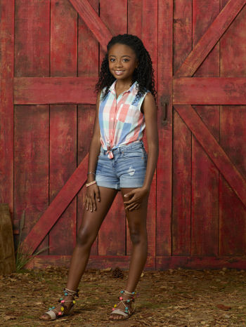 Zuri Ross Jessie Wiki Fandom Powered By Wikia