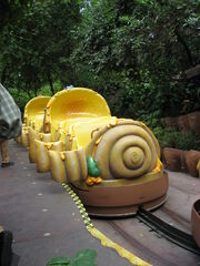 Disneyland-WinniePooh-vehicle
