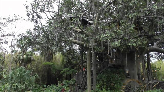 File:Swiss Family Treehouse (MK).jpeg