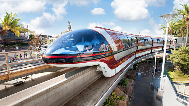 File:Disneyland Monorail (DL).jpeg