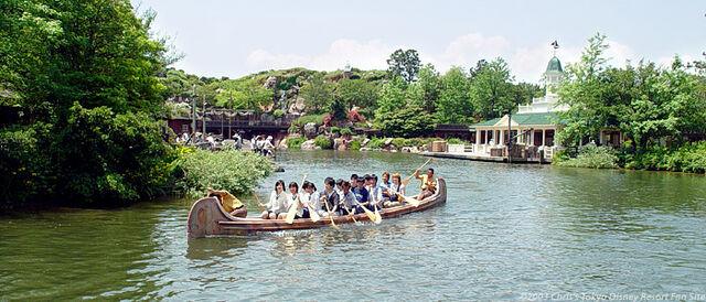 File:Beaver Brothers Explorer Canoes (TDL).jpeg