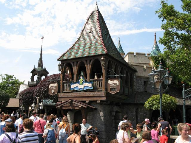 File:Peter Pan's Flight Disneyland Paris.jpg