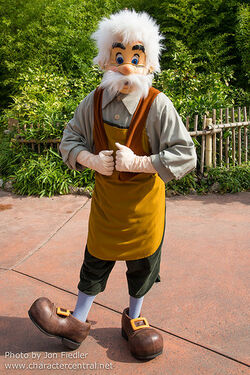 Disneyland Characters Geppetto