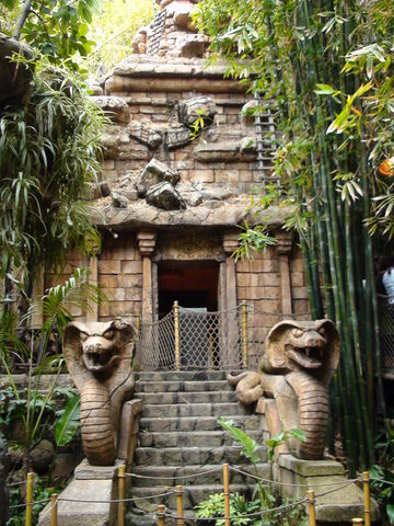 File:Entrance to the Temple of Doom.jpg