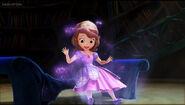 Amulet Gives Sofia A New Dress