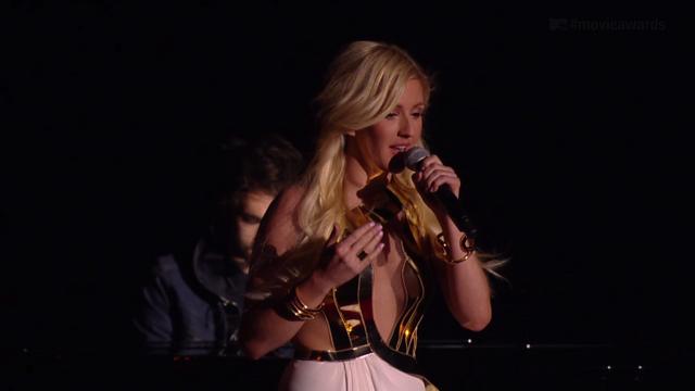 File:Ellie Goulding at the 2014 MTV Movie Awards.png
