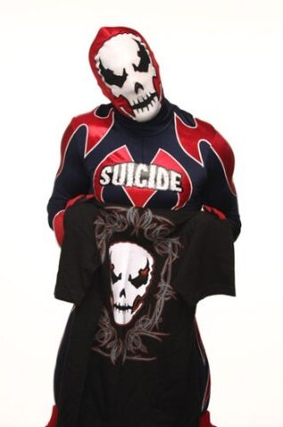 File:Slade and Shirt Pic.jpg
