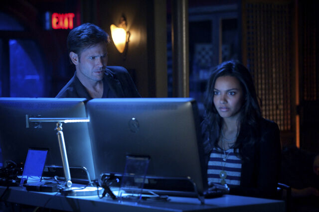 File:Matthew-Davis-and-Jessica-Lucas-in-CULT-Episode-1 01-Youre-Next-3.jpg