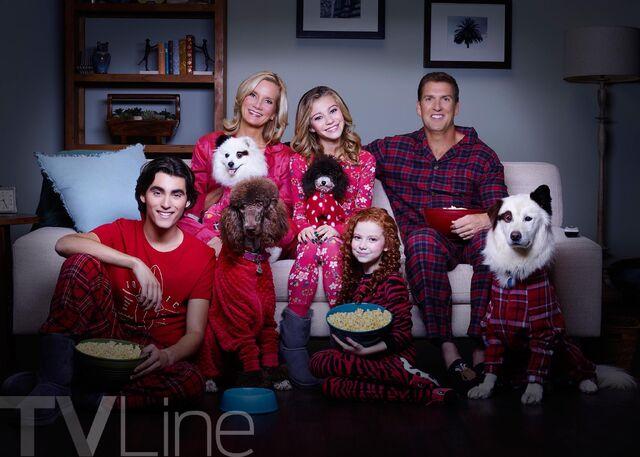 File:Stan's extended family.jpg
