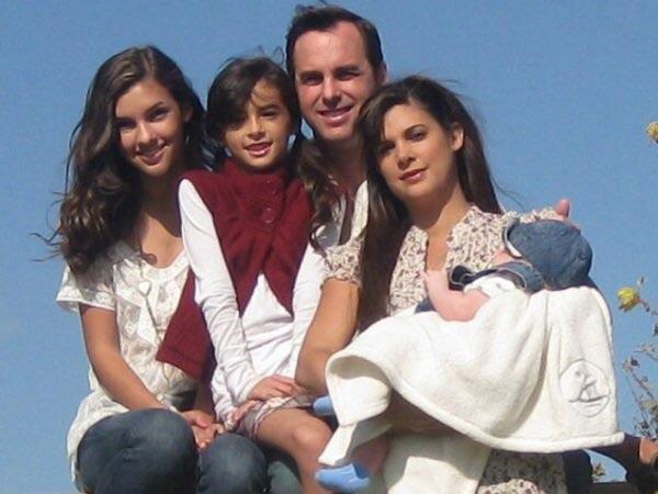 File:Denyse Tontz Family.jpg