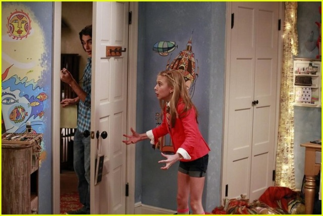 File:G hannelius dog with a blog wild party tFUkiKS3.sized.jpg