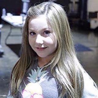 File:Ella Anderson grown up.jpg