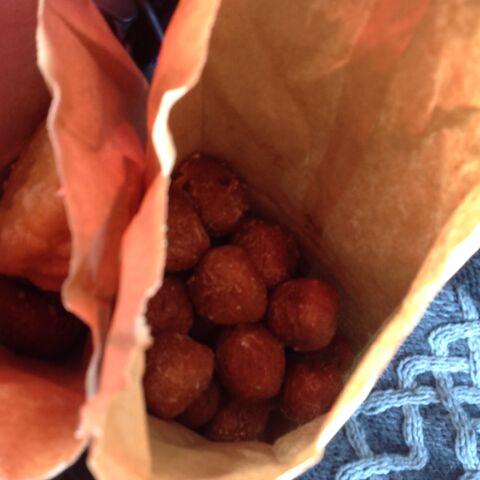 File:Dunking donuts pumpkin munchkins.jpeg