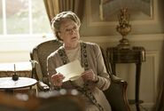 Downton-abbey-6x05-violet-e1445195143138