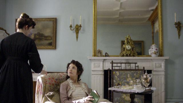 File:Downton-abbey-1x01-episode-one-3211.jpg