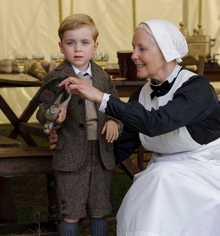 File:Downton-abbey-children-george-ctr.jpg