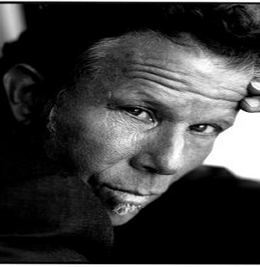 File:Tom Waits.png