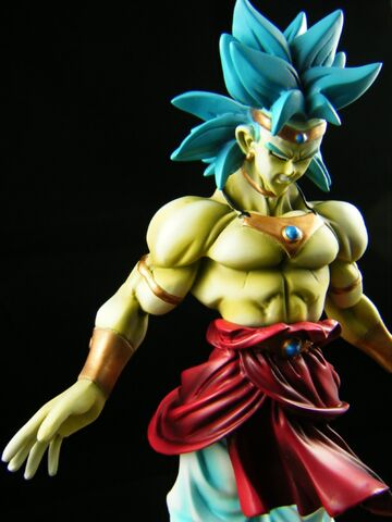 File:Broly resin modelkit c.jpg