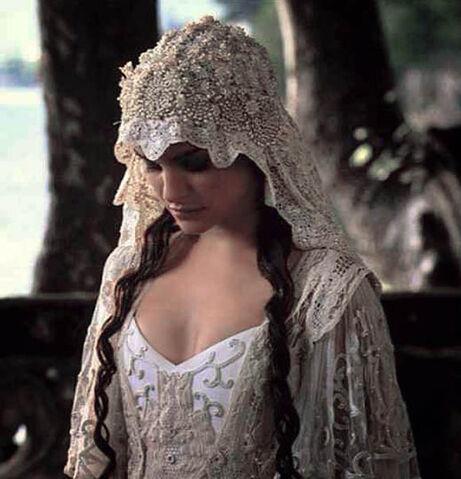File:Movie-Bride-Natalie-Portman-Star-Wars.jpg