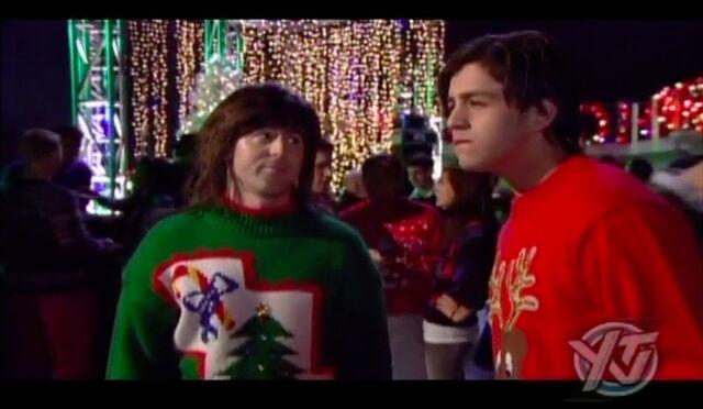 File:Merry-christmas-drake-and-josh-04.jpg