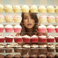 Miranda with cupcakes