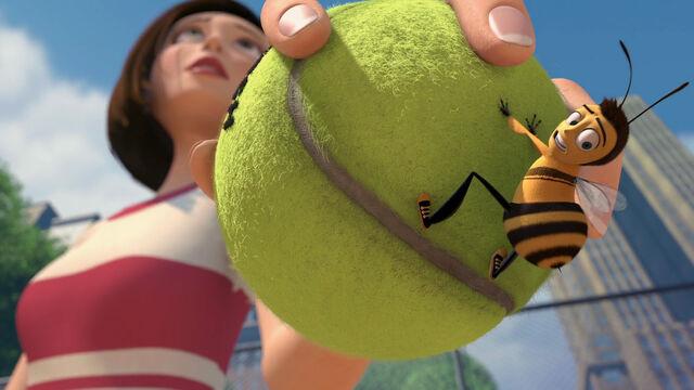 File:Bee-movie-disneyscreencaps com-1988.jpg