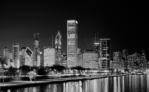 File:Chicago B+W night.jpg