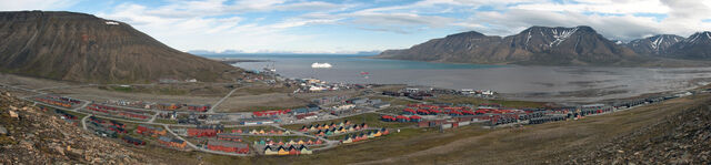 File:Longyearbyen.jpg