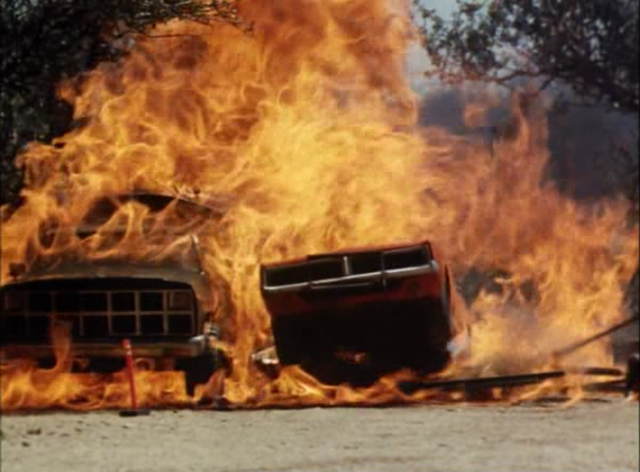 File:The General Lee going through flames from burning fuel tanker.png