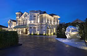 Dawn Mansion