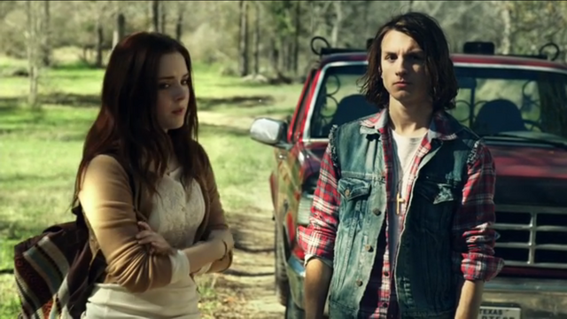 File:Kate and Kyle 1x02.png