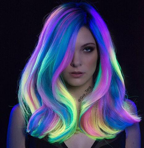 File:Phoenix-neon-glowing-hair-guy-tang-4.jpg