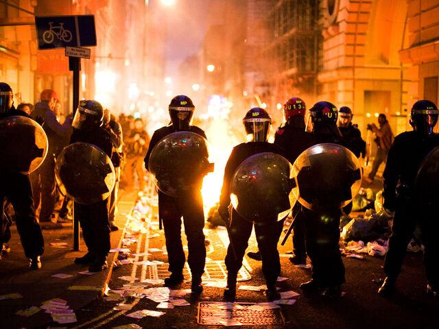 File:LondonRiots.jpg