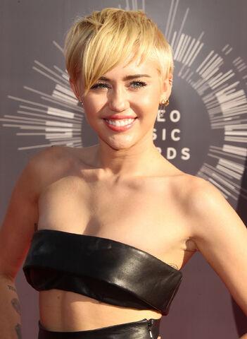 File:Miley-Cyrus-2015-2.jpg