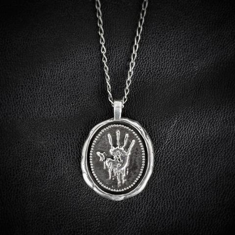 File:Dark Brotherhood Medallion Necklace (Front).png
