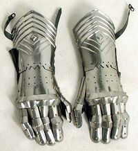 Plate-gauntlets
