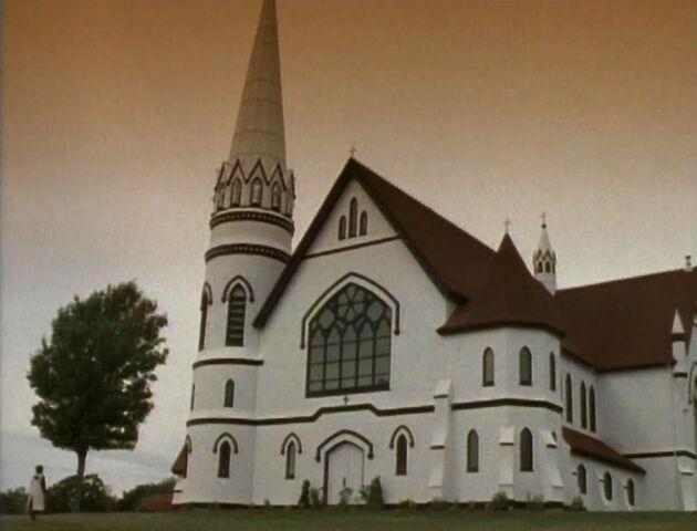 File:White Cross Catholic Church.jpg