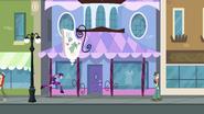 Twilight running to Carousel Boutique EG