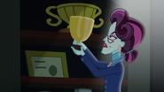 Cinch holding up trophy EG3