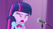 Twilight gets piece of confetti stuck in her throat EG2