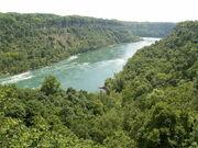 800px-Niagara River 4 db