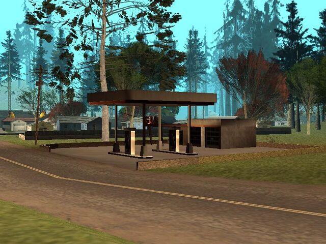 Archivo:Gasolinera de Angel Pine.jpg