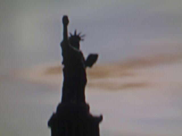 Archivo:Estatua de la felicidad-13.JPG