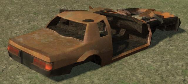 Archivo:Faction-GTA4-wreck-rear.jpg