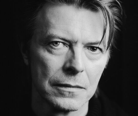 Archivo:David Bowie.jpg