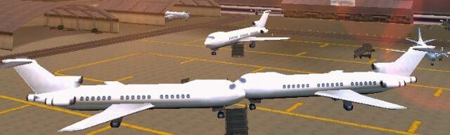 Archivo:AvionesLCS.jpg