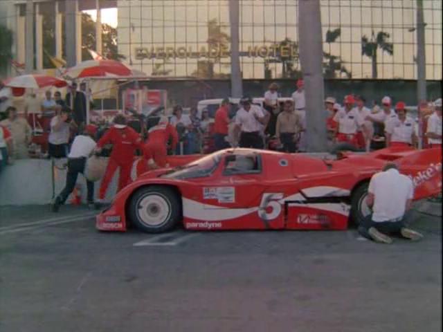 Archivo:Historias 80th Vice Un día en las carreras 3.png