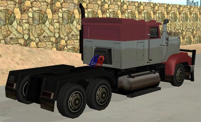 Archivo:RoadtrainSAatras.jpg